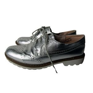 Steve Madden Silver Brogues Size 8.5